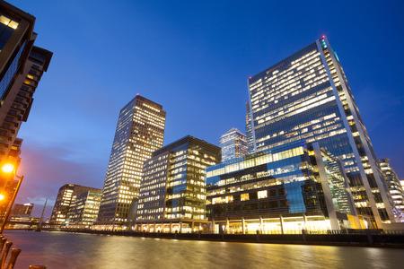 마천루 비즈니스 사무실의 윈도우, 런던 시티, 영국, 영국에서 회사 건물