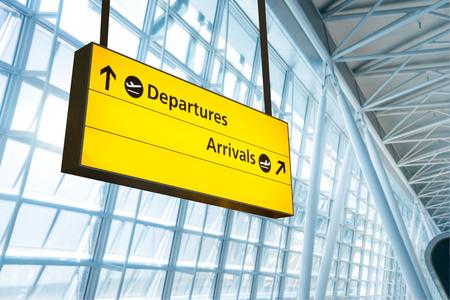 Vluchtinformatie, aankomst en vertrek boord op de luchthaven Stockfoto