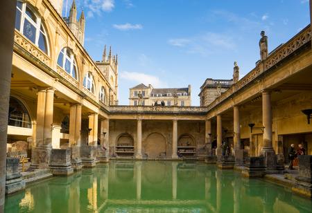 BATH, UK  NOVEMBER 30, 2014: View of the Roman Baths in Bath, UK 新聞圖片