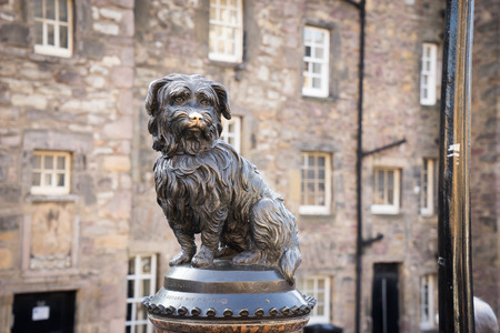 bobby: EDINBURGH, statue of Greyfriars Bobby
