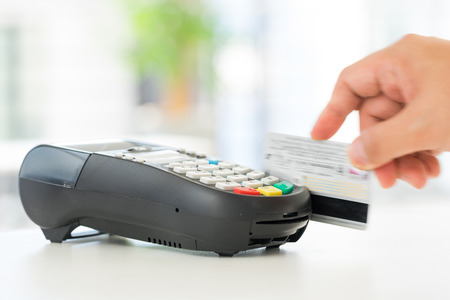 pagando: Crédito y débito tarjeta de pago contraseña compras Foto de archivo