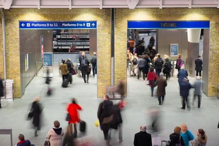 menschen in bewegung: U-Bahnhof London-Zug Blur Volksbewegung