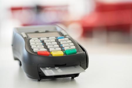 Kreditkartenzahlung, Kauf und Verkauf von Produkten und Service- Standard-Bild