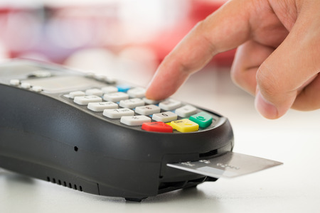Credit card betaling, kopen en verkopen van producten en diensten Stockfoto