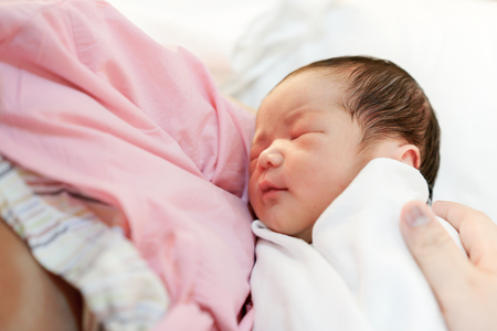 beautiful    baby: Asian mother with newborn baby in the hospital