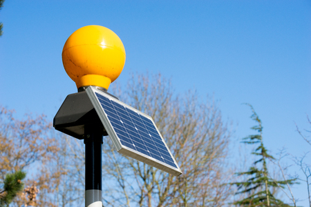 voltaic: Traffic light from solar cell panel