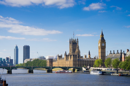 Big Ben en Westminster Abbey in Londen, Engeland Stockfoto