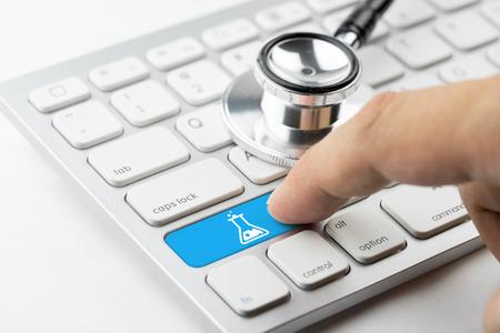 radiator: Medicine doctor & nurse working with medical icons