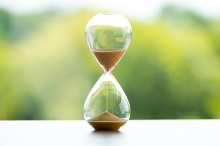 砂の時計、ビジネス時間管理概念 写真素材