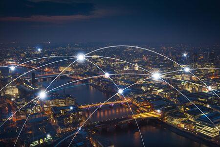 Kantoorgebouw in Londen voor netwerk- en toekomstconcept