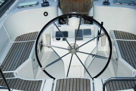 timon barco: Helm barco Foto de archivo