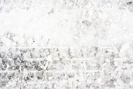 冬、雪の質感とタイヤのトラックの道