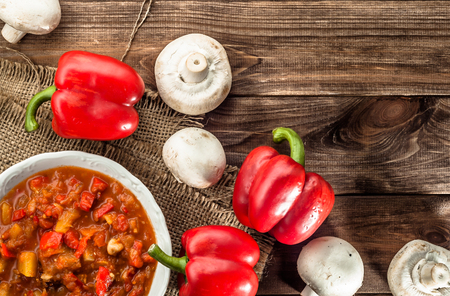 Hungarian stew or lecho with paprika and meat. Stockfoto