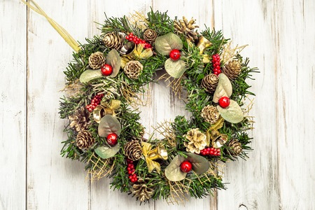 Christmas wooden background with wreath, advent decoration Stockfoto