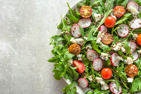 Healthy food - fresh vegetable salad on plate, vegetarian diet concept Zdjęcie Seryjne