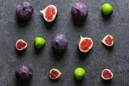 Verschiedene frische Feigenfrüchte. Grüne und blaue Feigen, Ansicht von oben