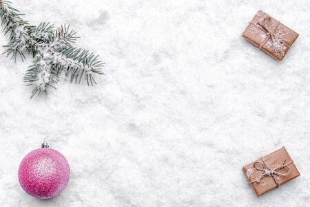 Christmas white background with snow and christmas composition Banco de Imagens - 133903390