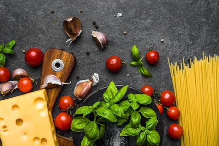 Ingredients of spaghetti, italian food background, cooking concept