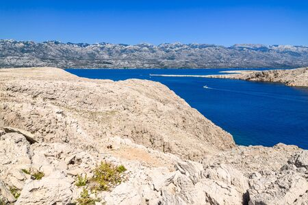 Blue lagoon of Adriatic Sea - Kvarner Bay near Pag Island, Dalmatia, Croatia Banco de Imagens