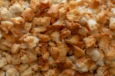 make breadcrumbs with dry and toasty pieces in Turkey