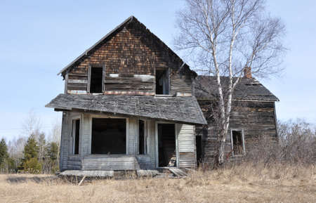 unoccupied: Old abandoned house.