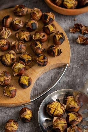 Ready to eat roasted chestnuts Reklamní fotografie