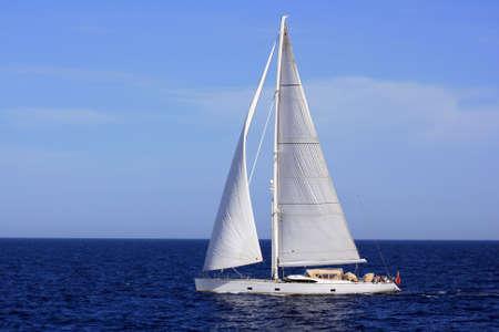 bollard: Sloop sailing in open waters