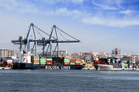 Container ships docked in the port of Alicante Stock Photo - 22051823