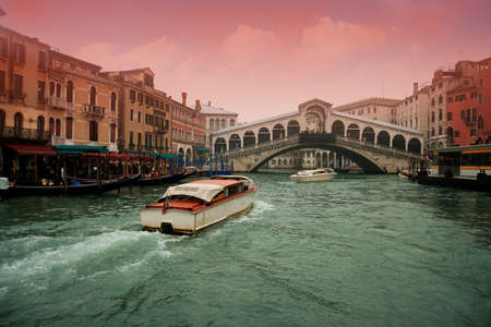marcos: The famous Rialto bridge in the Grand Canal of Venice