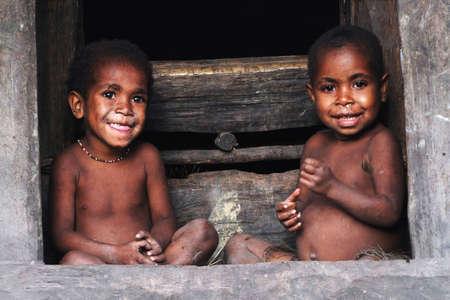 Nuova Guinea: Papua Editoriali
