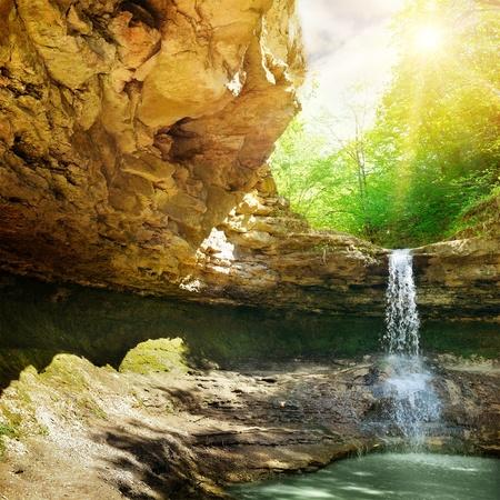 the cascade: cascada en la monta�a