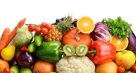verduras: frutas y verduras aislados sobre fondo blanco