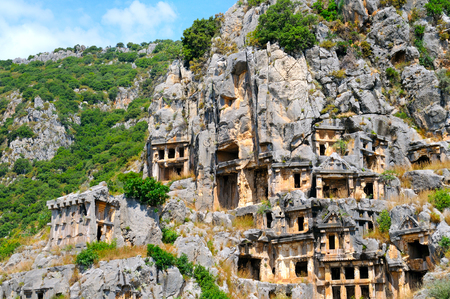 tumbas: tumbas lycian en Demre (Myra), Turquía Foto de archivo