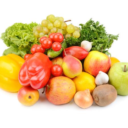 Frutas y verduras aislados en blanco