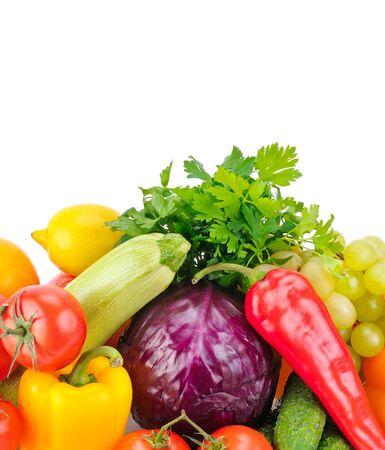 Frutas y verduras aislado en blanco