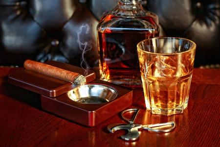 cigarro: Whisky y cigarros