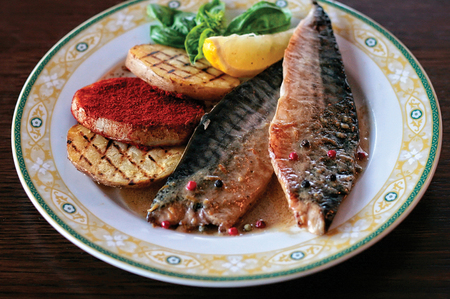 A plate of mackerel with grilled potatoes Reklamní fotografie