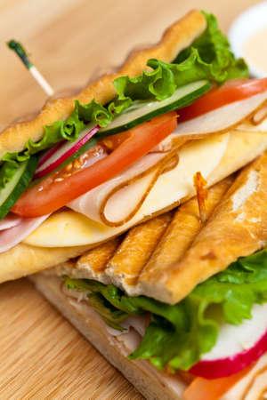 トルコ、トマト、キュウリのサンドイッチ 写真素材