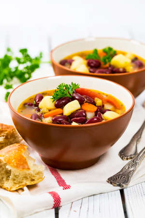 Vegan Red Kidney Bean Soup. Selective focus. 免版税图像