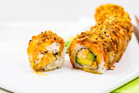 Rouleau de sushi croquant de New York. Mise au point sélective. Banque d'images
