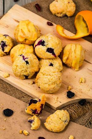 Mini Scones Variety. Orange and Blueberry Mini Scone Cookies. Selective focus. Imagens