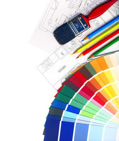 decorando: muestras de color y los planes aislados en blanco