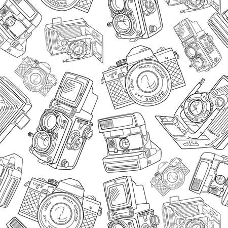 vintage camera: Seamless hand drawn old camera pattern, black and white
