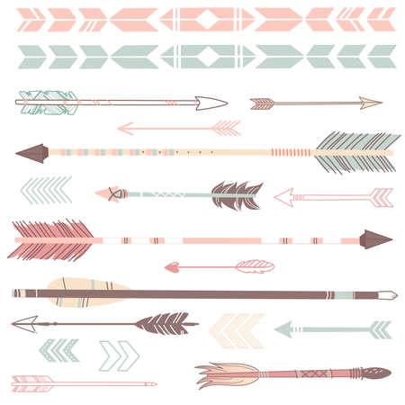 arco y flecha: Un conjunto de lindos flechas inconformista, mano dibuja garabatos Vectores