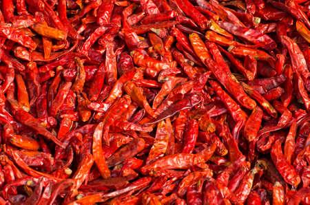 dried spice: secado especia chiles fondo en el mercado asi�tico, la India