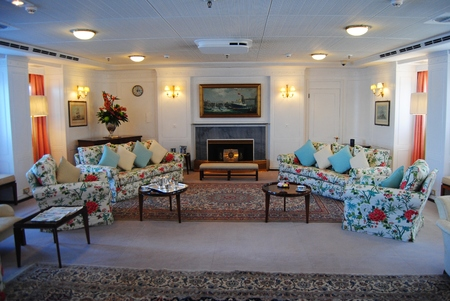 drawing room: Drawing Room at the Royal Yacht Britannia.