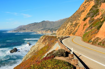 Highway 1 running along Pacific coast in Big Sur state parks in California. Reklamní fotografie - 92516589