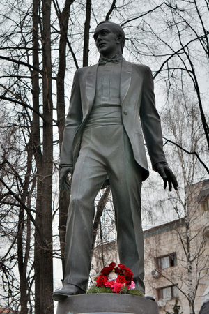 Moscow, Russia - March 21, 2018. Monument to Azerbaijani opera and popular music singer Muslim Magomayev in Moscow. Editöryel