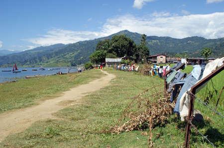 tal: Lake Phewa Tal in Pokhara in Nepal
