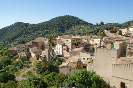 The small idyllic town of Estellencs in the Tramuntana mountains on Mallorca Stock Photo - 7141080